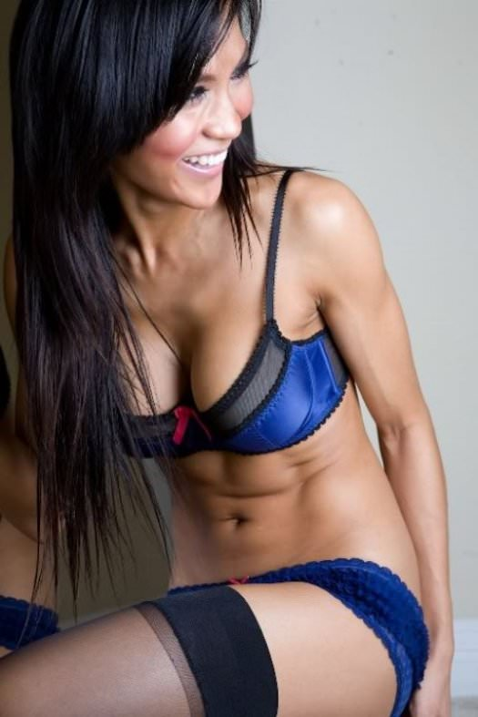 Girls with Nice Abs 14