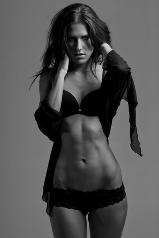 Girls with Nice Abs 18