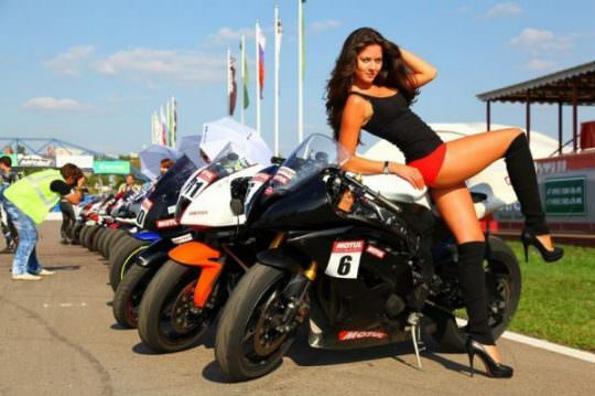 Hot Girls on Bikes 10