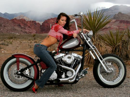Hot Girls on Bikes 2