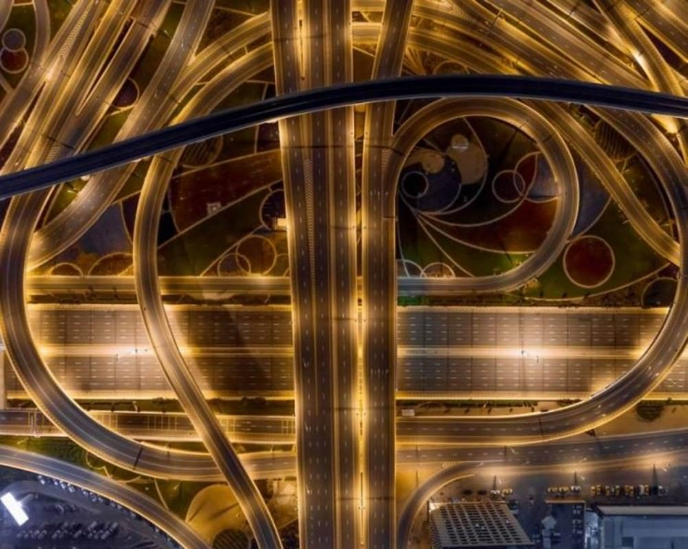highway in Dubai