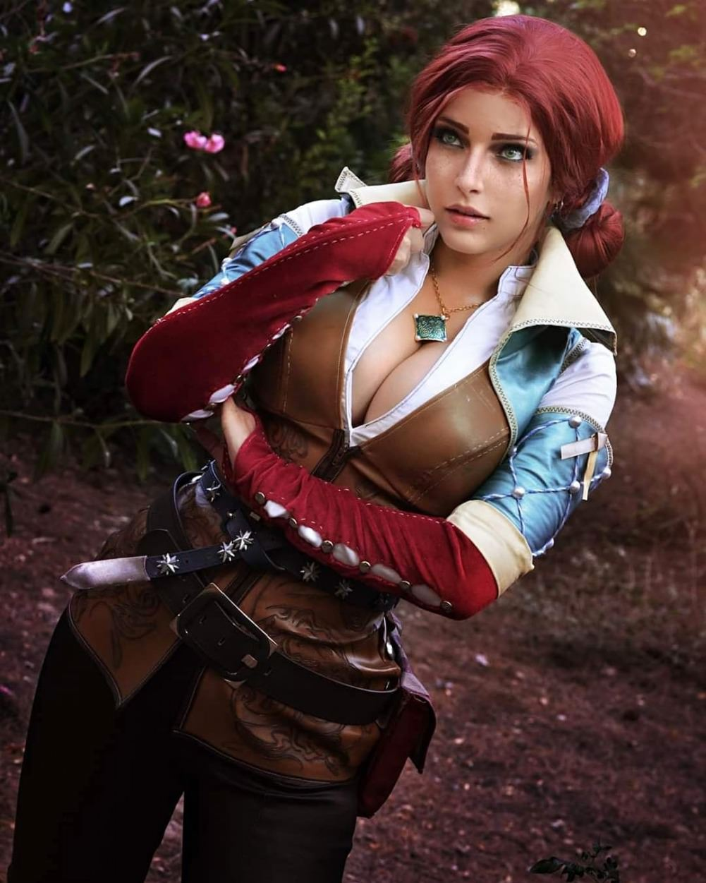 Shermie Cosplay as Triss Merigold