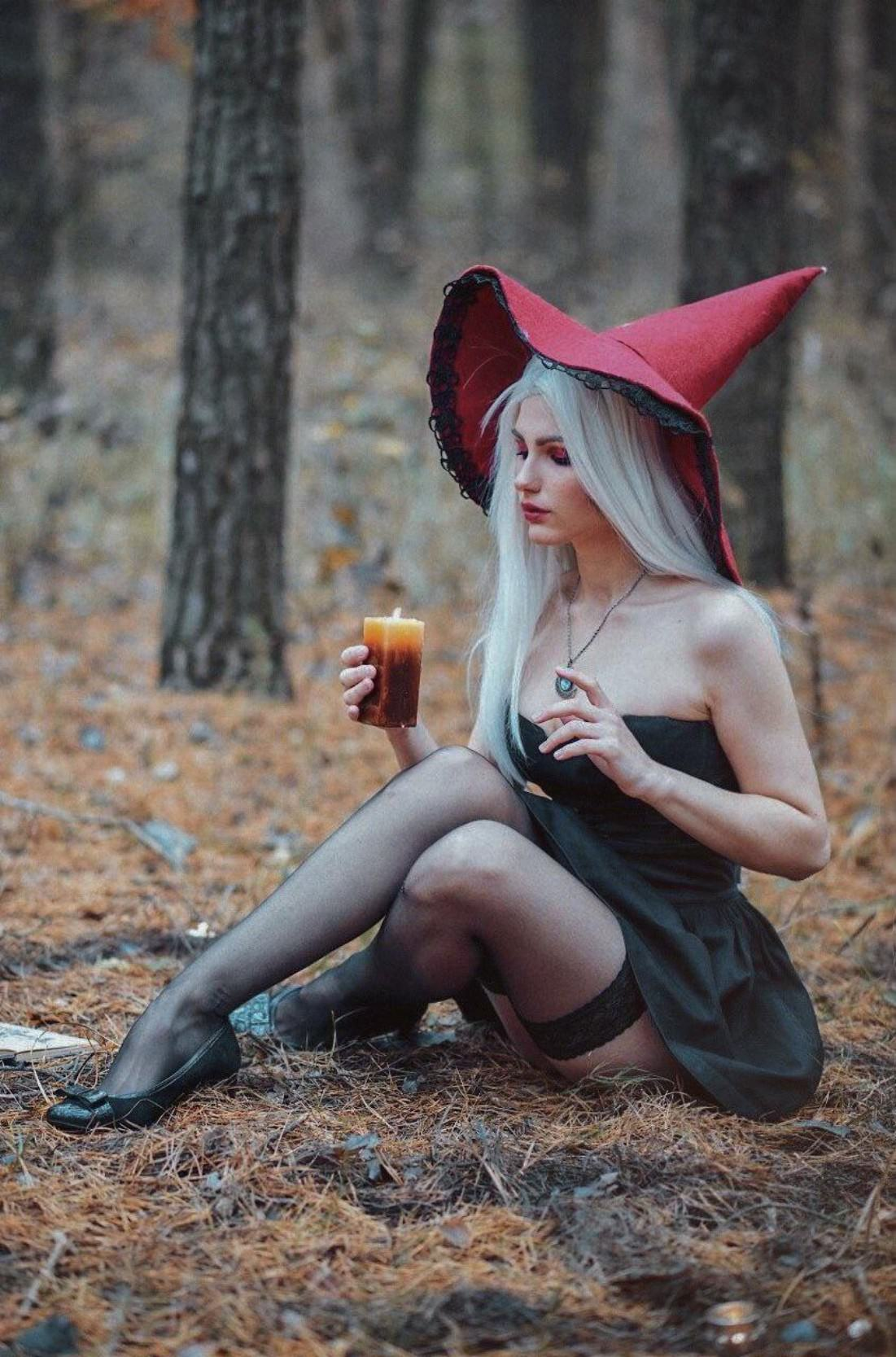 Halloween Witch by NoriTaiga