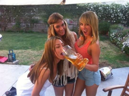 Girls who like beer 11