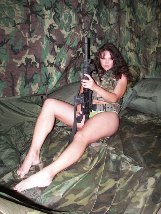 Girls with guns picdump#4  5