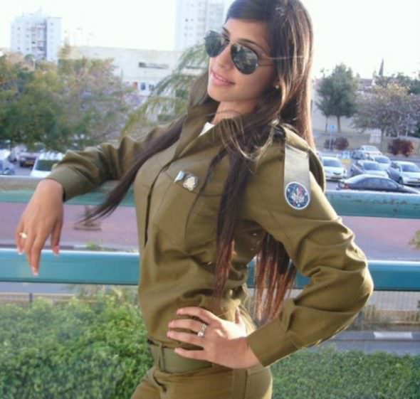 Israeli Defense Female Soldiers 4