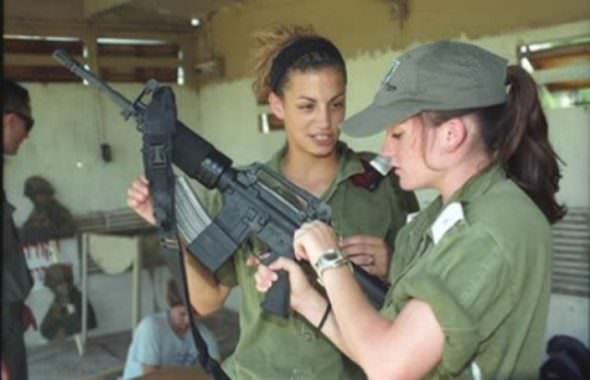 Israeli Defense Female Soldiers 11