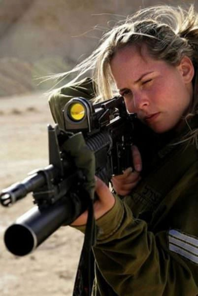 Israeli Defense Female Soldiers 17