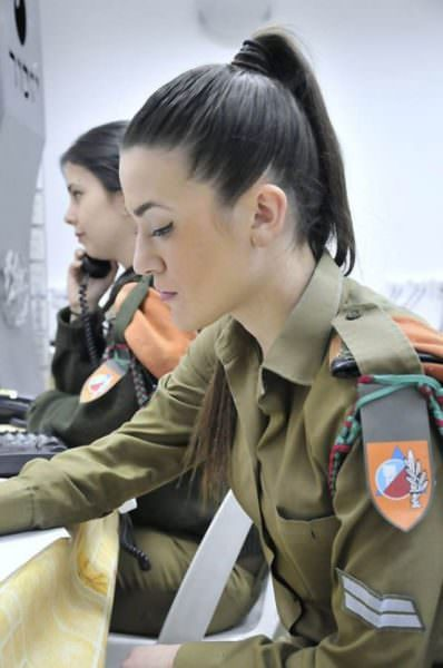 Israeli Defense Female Soldiers 18