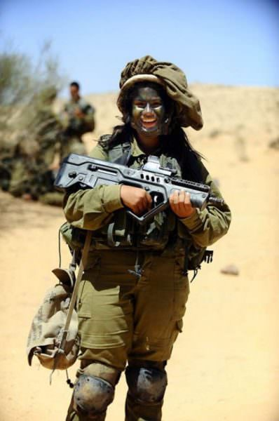 Israeli Defense Female Soldiers 20