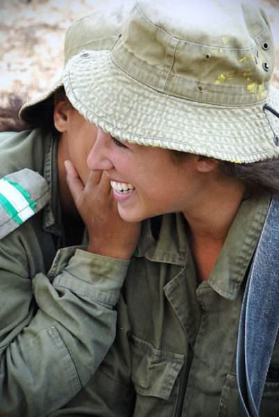Israeli Defense Female Soldiers 21