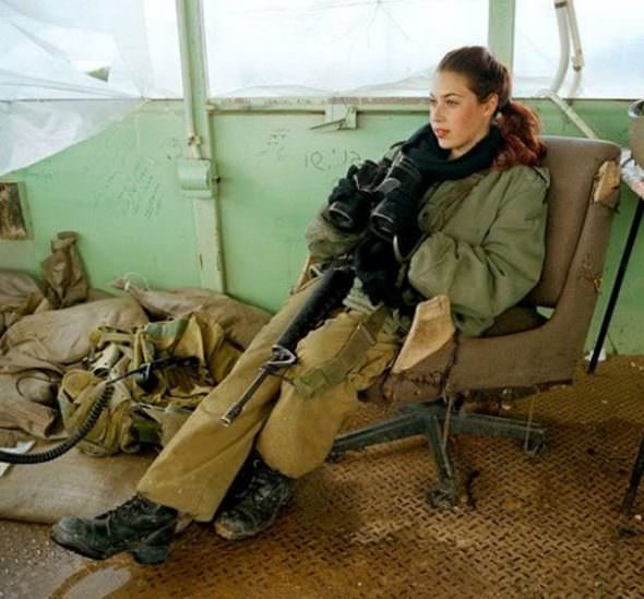 Israeli Defense Female Soldiers 27