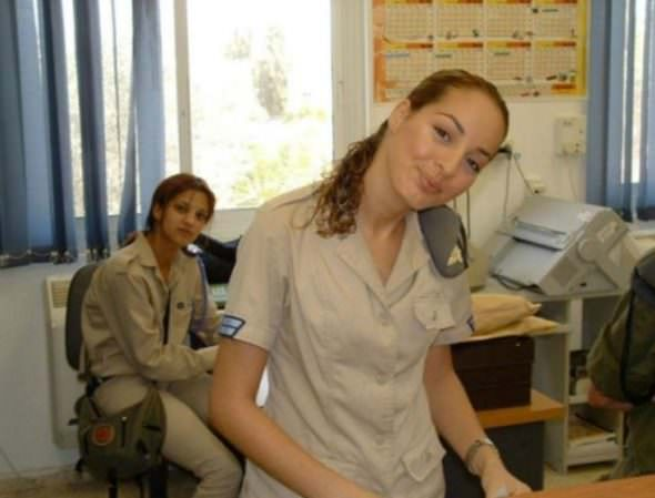 Israeli Defense Female Soldiers 29
