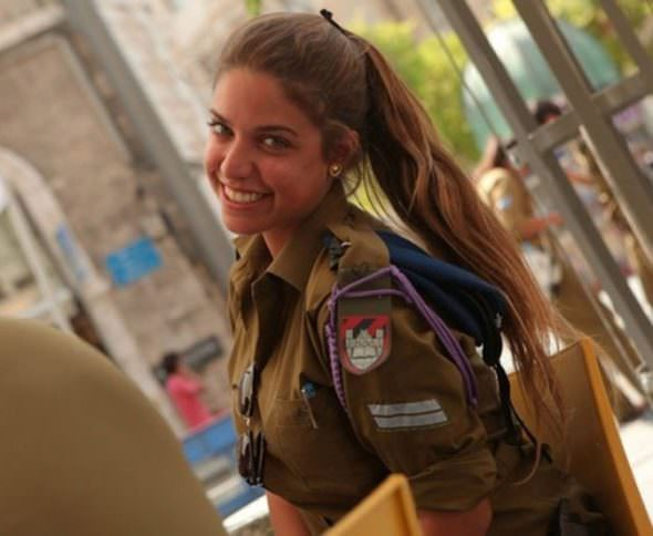 Israeli Defense Female Soldiers 30