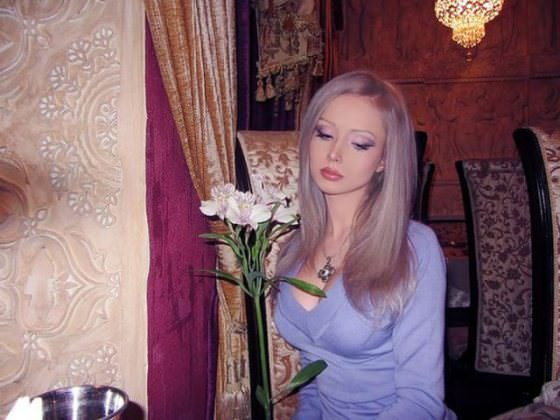valeria-lukyanova real life barbie pictures 14