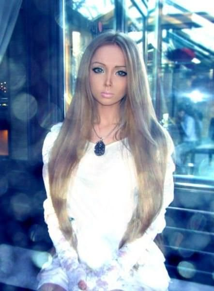 valeria-lukyanova real life barbie pictures 15