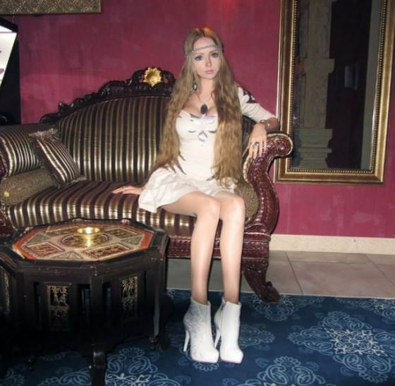 valeria-lukyanova real life barbie pictures 19
