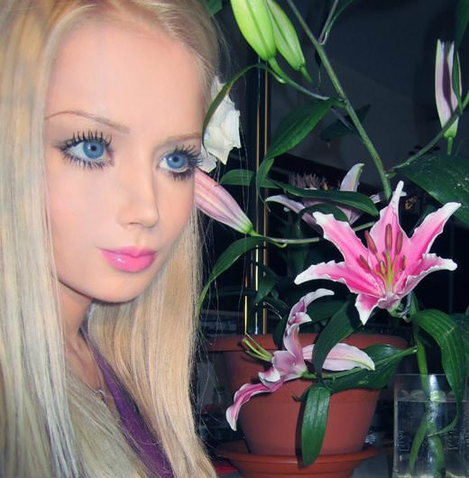 valeria-lukyanova real life barbie pictures 2