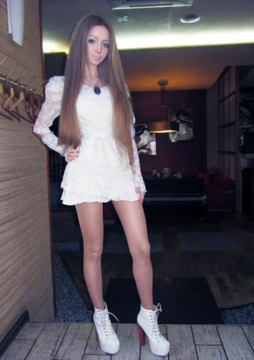 valeria-lukyanova real life barbie pictures 9
