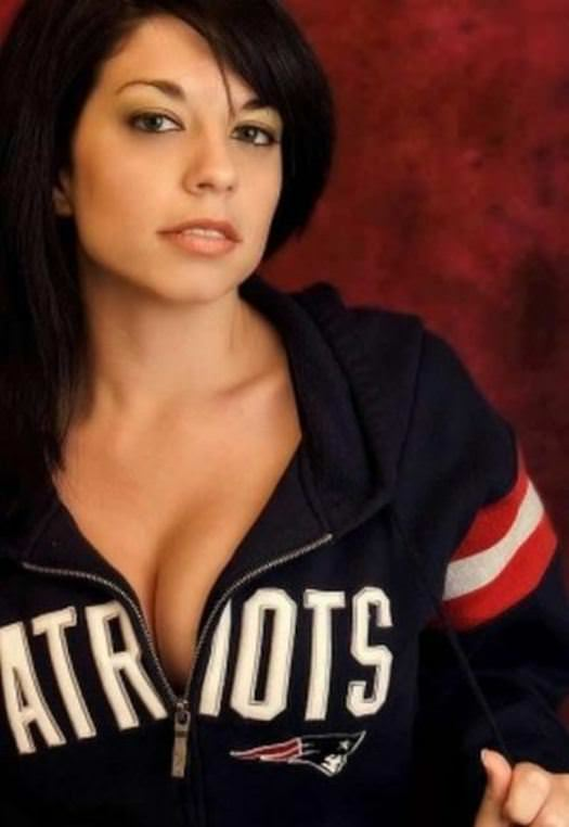 Hottest Giants and Patriots Superbowl Fans 7