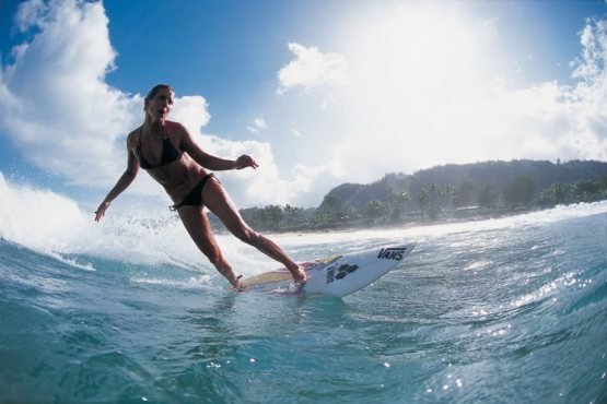 Girls Surfing 20