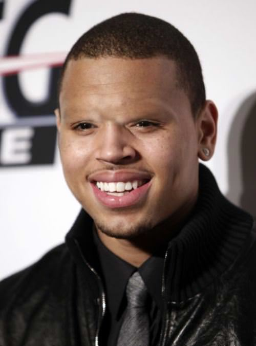 Chris Brown without eyebrows