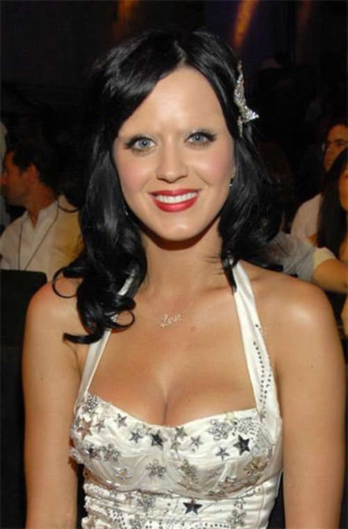 Katy Perry without eyebrows