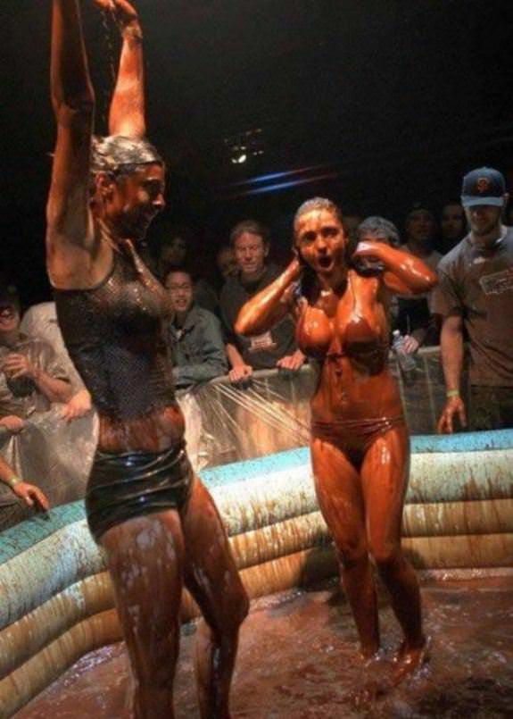 bikini-girl-in-mud-wrestling-knightley